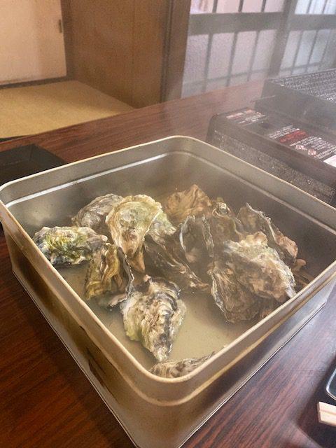 【箱崎駅前グラッセ】いつでも牡蠣が食べれるお店