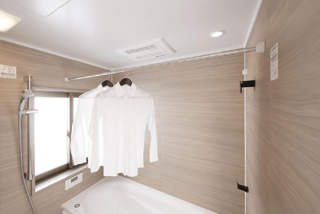 【小郡駅前レジデンス】梅雨の時期も安心!「浴室暖房乾燥機 」のご紹介♪
